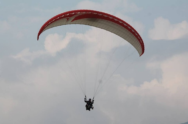 Paragliding-Hang-gliding-Himachal-Tourist-Places
