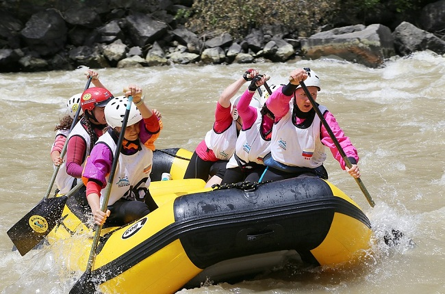 water-sports-adventure-manali-Himachal-Tourist-Places
